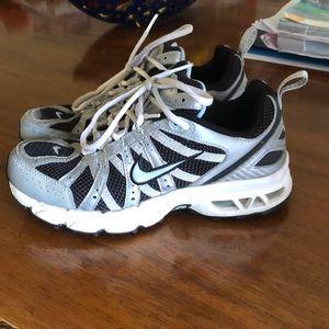 Nike size 8 Max Air